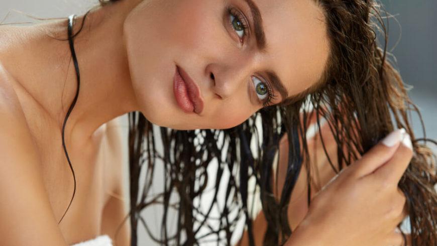 Consigli di bellezza: impacco doposole per i capellli